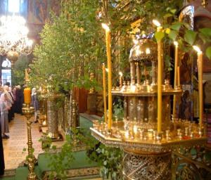 Праздник Святой Троицы, украшение храма