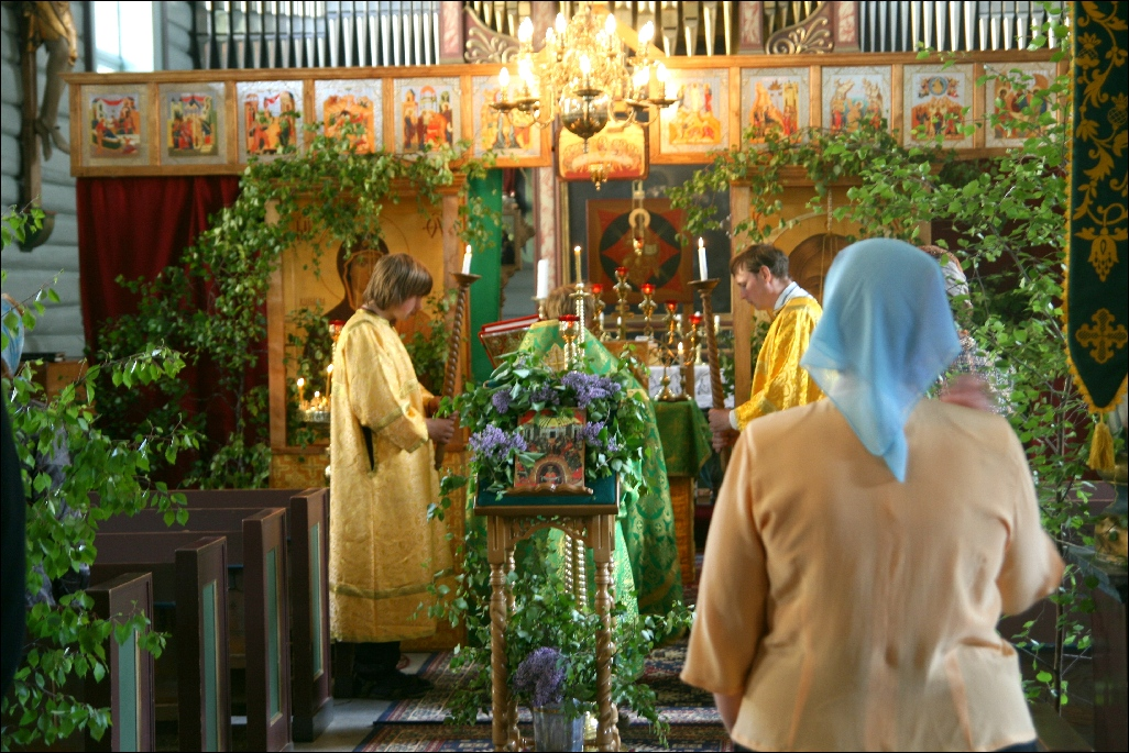 Божественная Литургия 7 июня 2009 года в Тронхейме, приход преподобной княгини Анны Новгородской, Bakke kirke