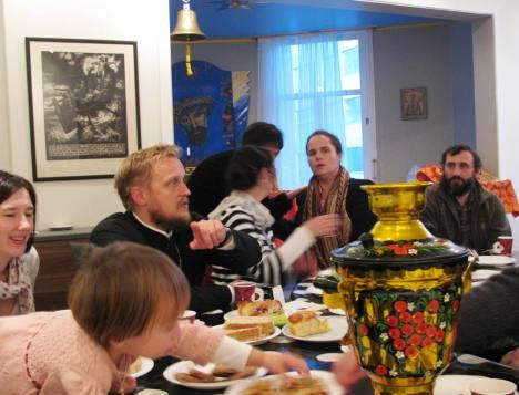 Чаепитие и общение после богослужения