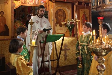 Евангельское чтение на сербском иереем Гораном из сербского прихода в Осло