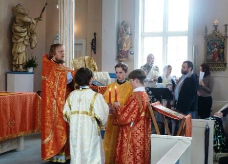 Литургия по пасхальному чину в Светлую субботу в Тромсе
