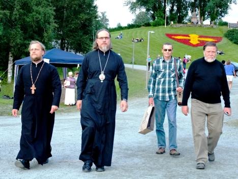 Духовенство и высокие гости из Великого Новгорода в Стиклестаде