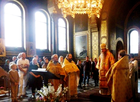 Праздничный молебен святому князю Александру Невскому