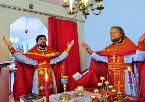 Божественная литургия в Никольском приходе Рейкьявика