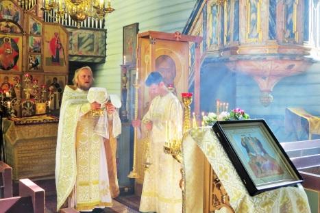Великий вход на Божественной литургии