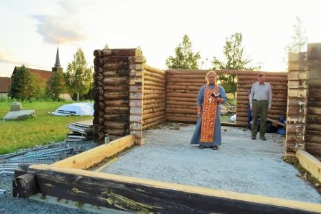 Благодарственный молебен в стенах строящегося храма святого Олава