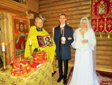 Первая венчальная пара в храме святого короля Олафа в Стиклестаде