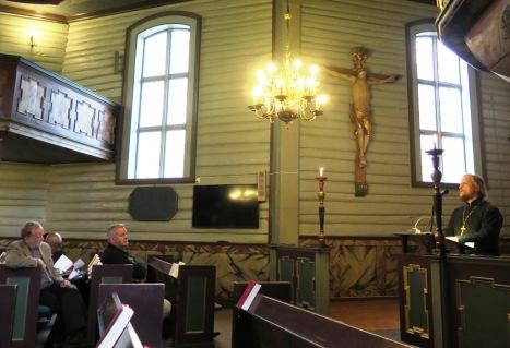 Bakke kirke 300 ar apr2015