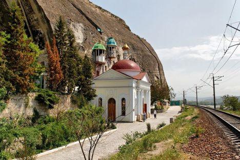 Инкерманский пещерный монастырь в Крыму