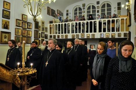 Духовенство в Покровском храме Хельсинки