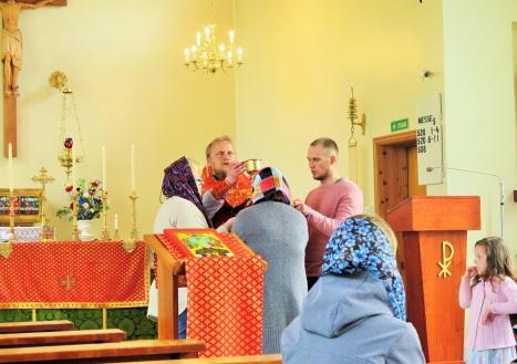 Причащение верующих