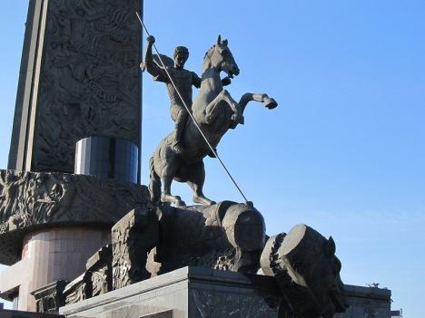 Памятник святому Георгию на Поклонной горе в Москве