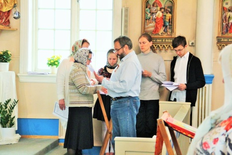 Приходской хор на праздничной литургии в Тромсе