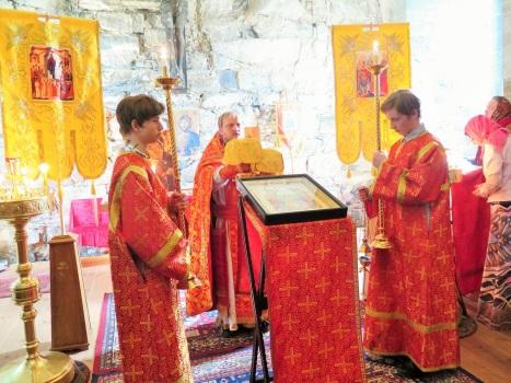 Великий вход на литургии по пасхальному чину