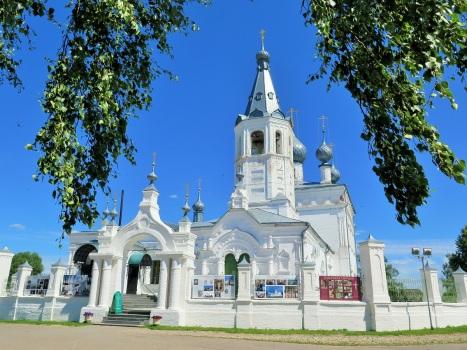 Дивный храм с чудотворным Крестом в с.Годеново