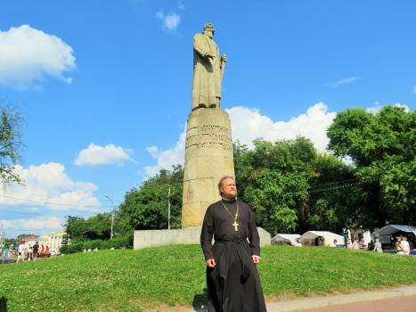 Памятник Ивану Сусанину в центре Костромы