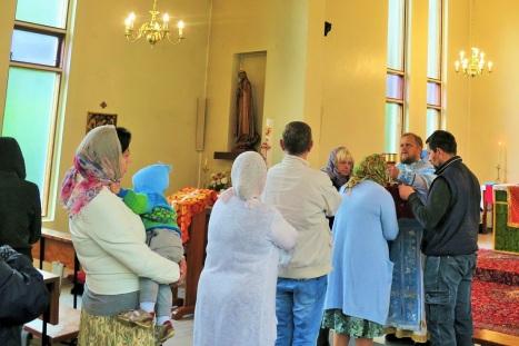 Причащение на Божественной Литургии в Олесунде