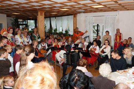 Праздничная трапеза и концерт после богослужения