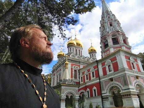 Русский храм-усыпальница у горы Шипка