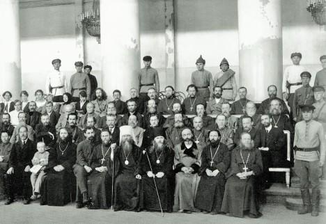 Духовенство 20 века под конвоем богоборцев