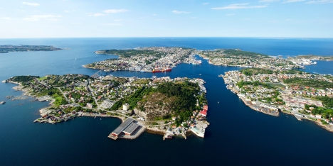 kristiansund_aerial_coastal_city_norway_2_1_4314a01a-9737-4ab2-84bb-073fd961dc54