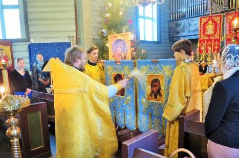 Освящение новых -  Богородичных - хоругвей